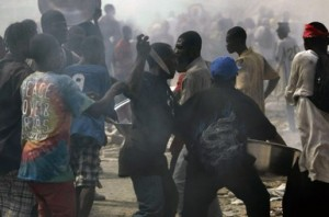 Haiti Earthquake Chaos Looters Gangs