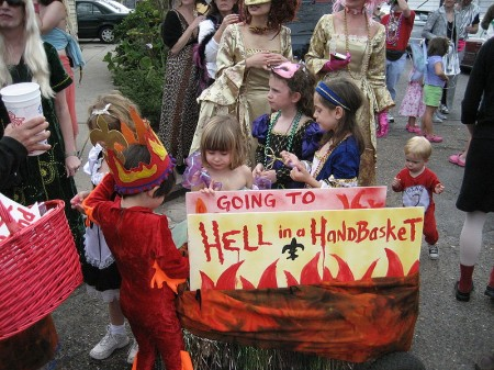 Going to Hell in a Handbasket - Photo by Infrogmation