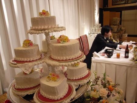 Wedding Cakes - Photo by Yuichi Kosio