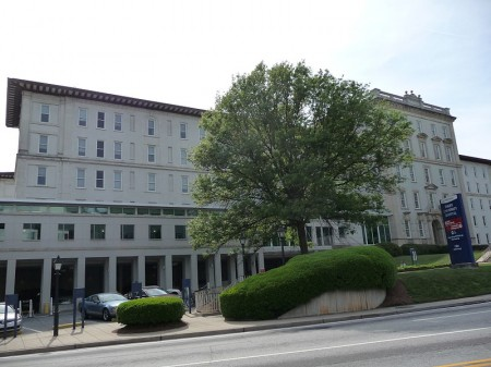 Emory_University_Hospital - Photo by Daniel Mayer