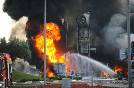 Fire in Ashdod caused by a Gaza rocket - Photo by IDF