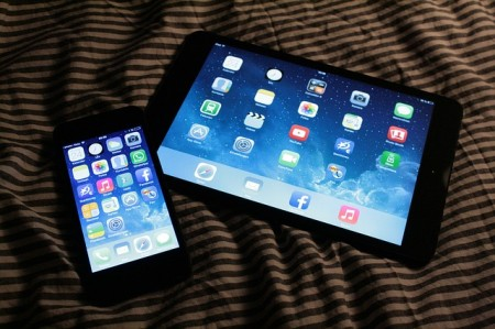 ipad iphone apple tablet smartphone mobile phone - Public Domain