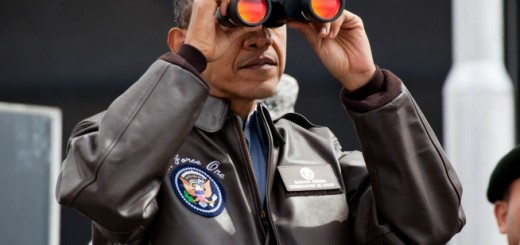 Barack Obama uses binoculars - Public Domain