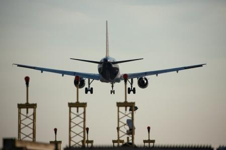 Plane Landing - Public Domain