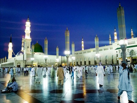 al-Masjid al-Nabawi mosque - Photo by Omar Chatriwala