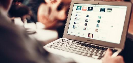 Internet Macbook Laptop - Public Domain