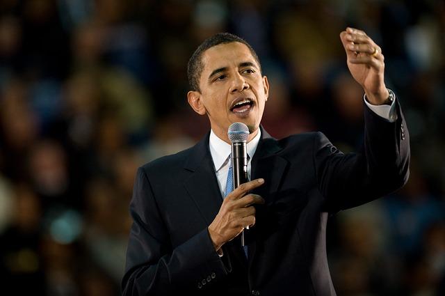Obama Waving - Public Domain