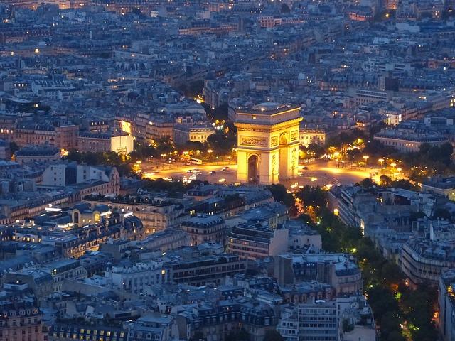 arc de triomphe in Paris - Public Domain