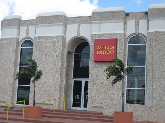 wells-fargo-photo-by-billy-hathorn-at-wikipedia