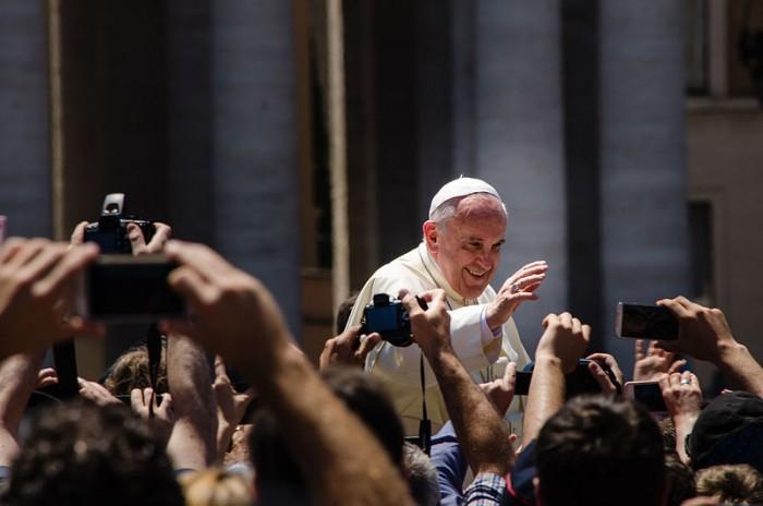 pope-francis-photo-by-alfredo-borba