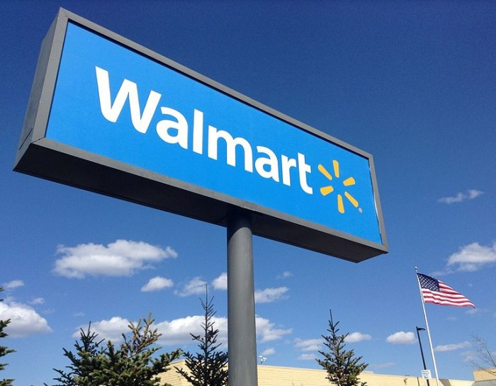 Wal-Mart - Photo by MikeMozartJeepersMedia
