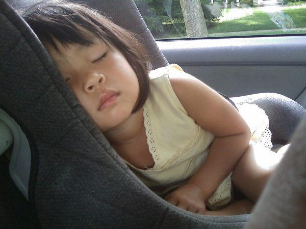 Sleeping-In-Car-Public-Domain-600x450.jp